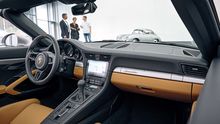 Dashboard of the 911 Speedster