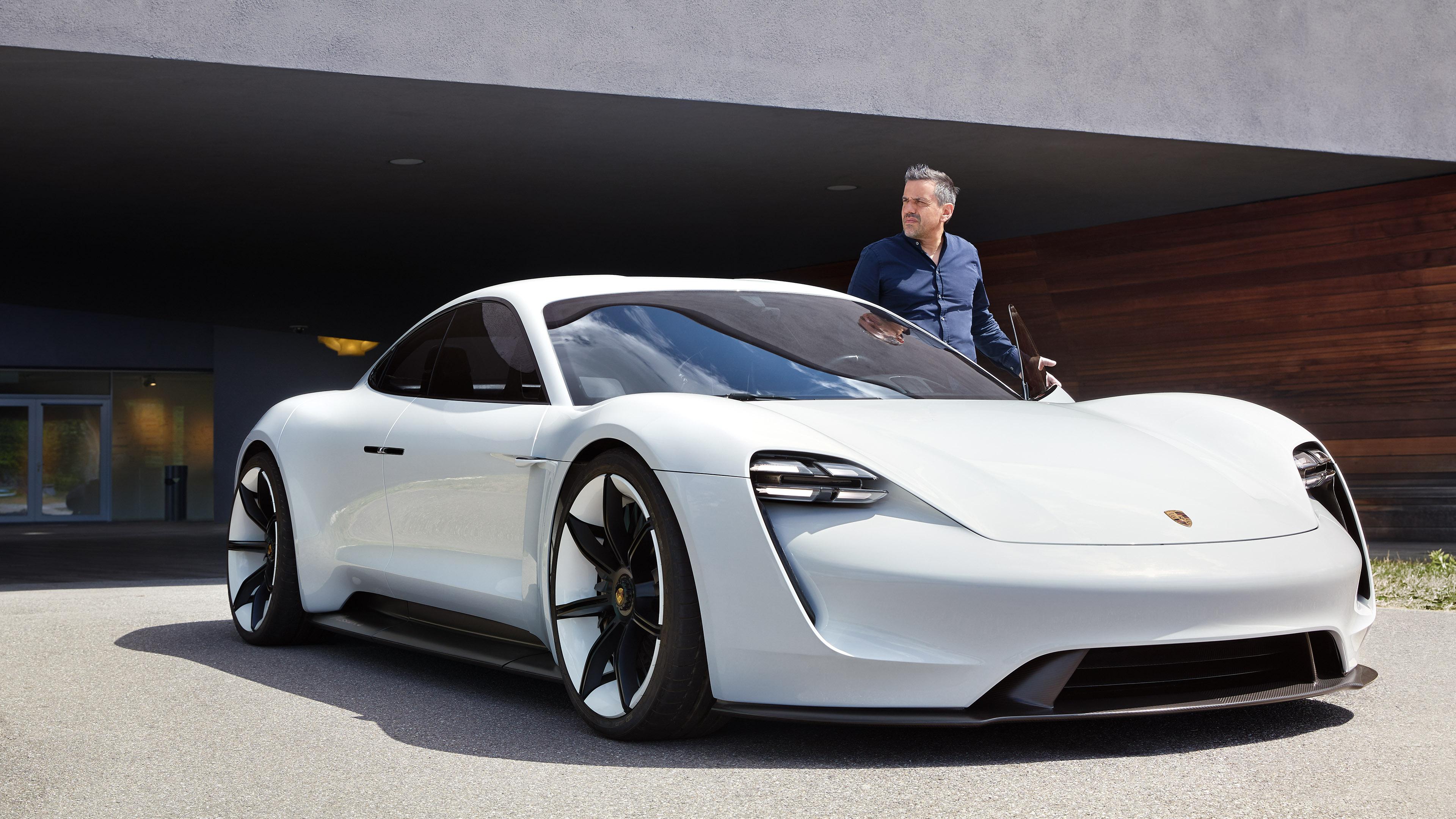 """Porsche """"对我来说,未来是一个充满无限可能的空间。"""""""